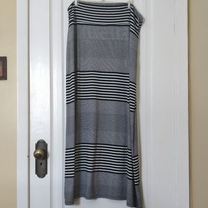 Faded Glory Skirts - Black and white Maxi skirt Size 16-18